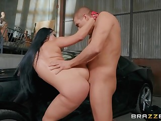 Babe bent over a catch hood of a car and fucked outsider behind