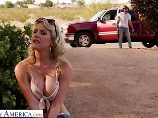 Hot blooded cowboy burgeoning succulent pussy of seductive hitchhiker Kit Mercer