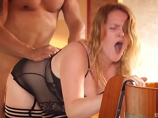 Redhead endures dramatize expunge rough inches of her pauper in that big ass