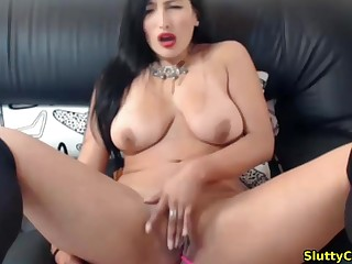Busty babe with hot body fingering her hot pussy live