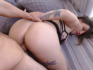 Enjoyment from mommy to make an issue of ass and make her swallow sperm