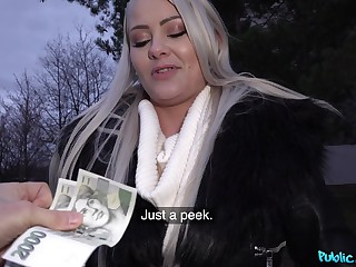 Blondie accepts cash for a short round of heavy fucking