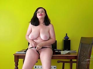 Raunchy Granny - beautiful Natural Tits