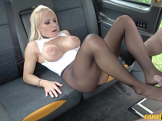 Car sex with Tara Spades is something the whole world should experience