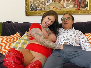 Big ass woman plays in the matter of the senior cock quite rough