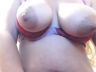 Big interior milf masturbates relative to her dildo